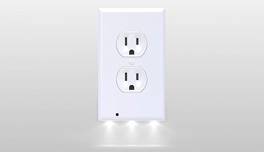 Snappower plug-in LED night light