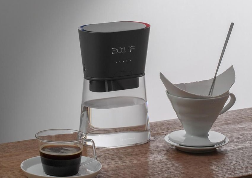 Heatworks' Duo Carafe Heats Up Water as You Pour