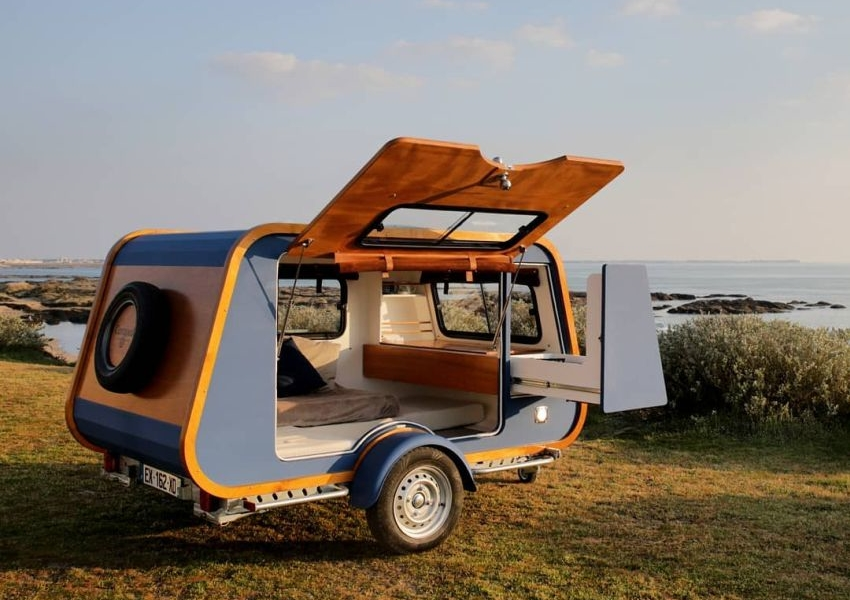 Carapate Teardrop Trailer Features Indoor/Outdoor Kitchen