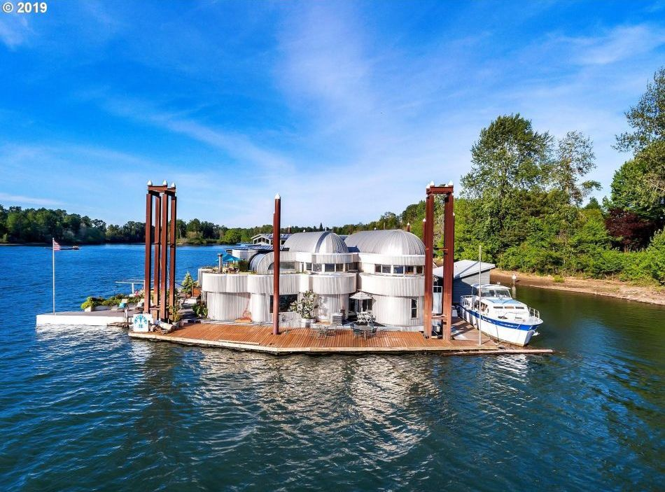 This Two-Story Floating House in Oregon is Up for Sale