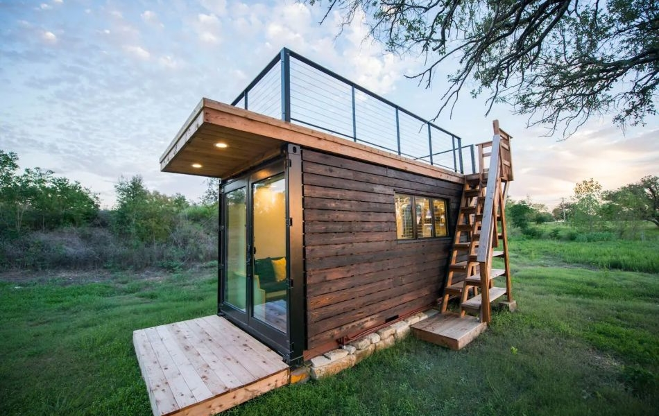 This Stunning Shipping Container Home in Waco, Texas can be Rented at Airbnb