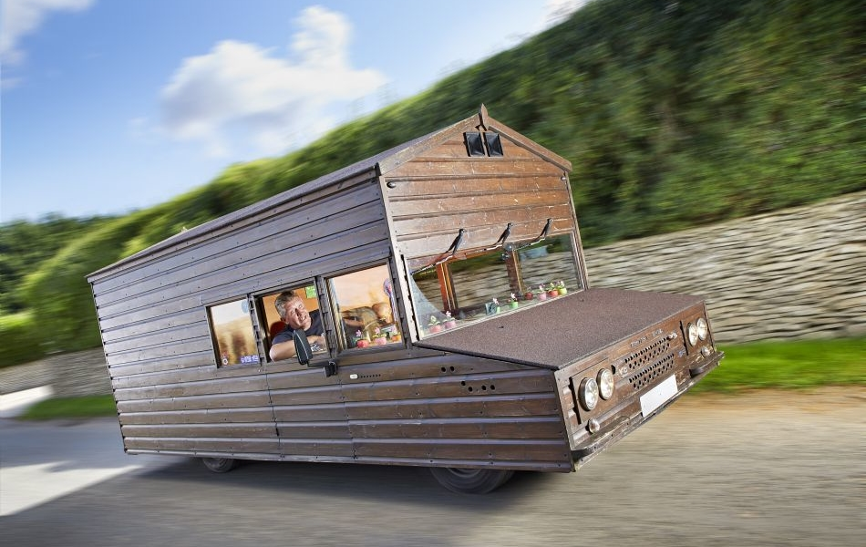 Airbnb Offering Chance to Meet Kevin Nicks, Maker of World's Fastest Garden Shed