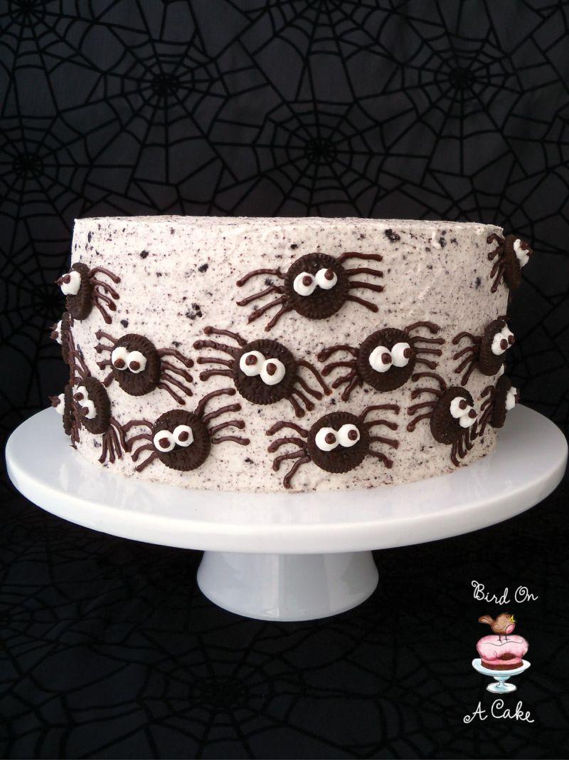 Oreo spiders Halloween cake