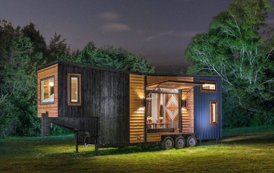 This Luxurious Gooseneck Tiny House Sleeps a Family of Six