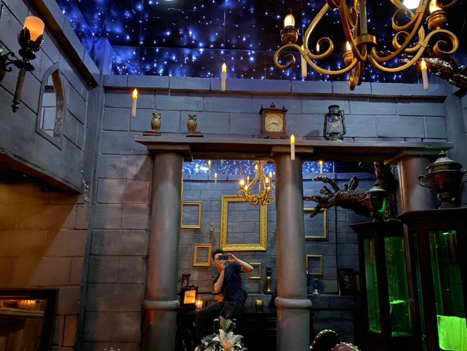 Harry Potter Fan Transformed His Bedroom into the Magical World of Hogwarts