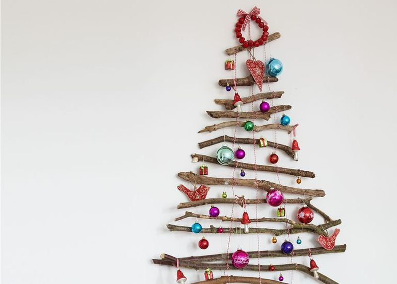Wall Christmas tree from twigs