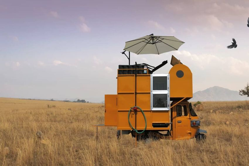 Indian Designs Tiny House Atop an Auto-rickshaw
