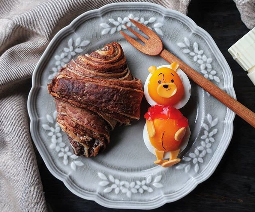 Japanese Mom's Egg Art Take Internet by Storm