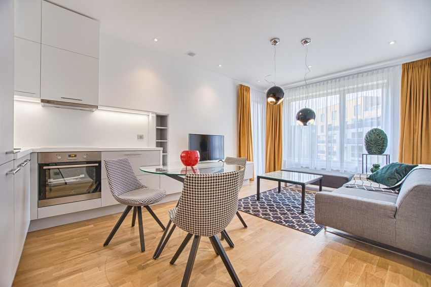 living-room-spring-decor