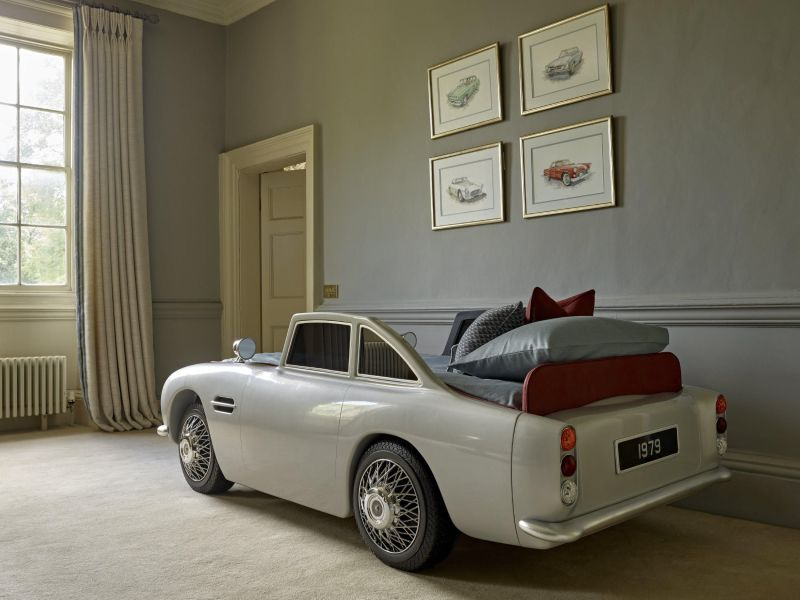 This Vintage Car Bed by Dragons of Walton Street is Super Unique