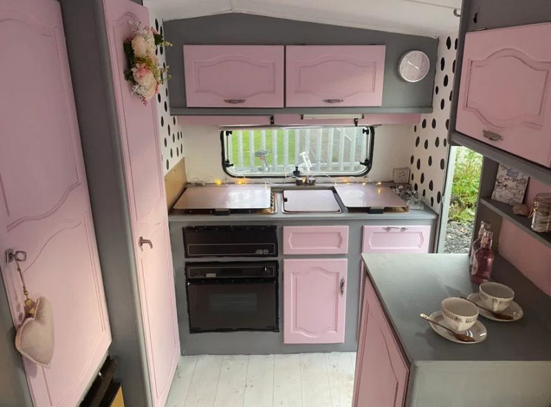 Scottish Couple Converts Run Down Caravan into a £500 Pink Haven