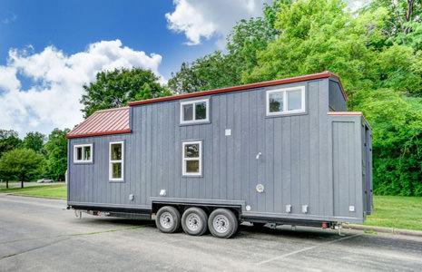 Modern-Tiny-Living's-Serenity-Tiny-House