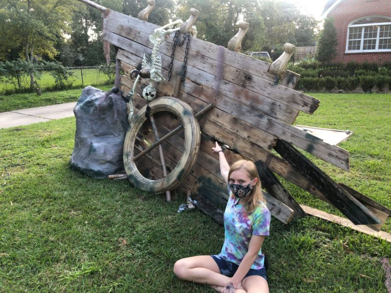 Father & Daughter Duo Builds Elaborate Shipwreck Halloween Display