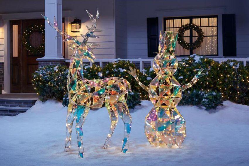Star Wars Outdoor Christmas Decorations  from cdn.homecrux.com