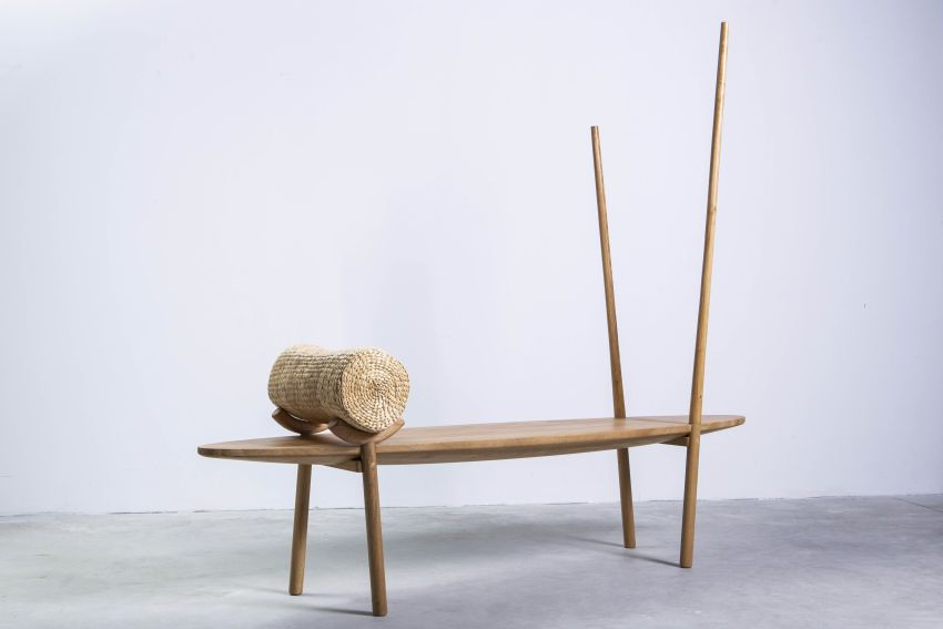 Vietnamese designers Lê Long Vĩnh and Huynh Thanh Quyen of Vang Lang University have created the Floating Market Bench.