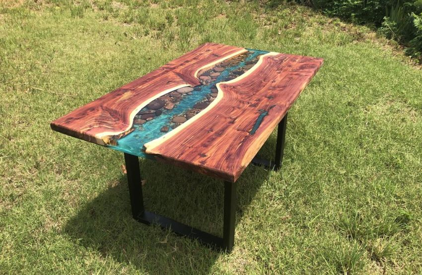 This Live Edge River Dining Table Uses Stones Creatively