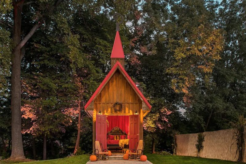 You can Rent This Tiny House in Hell, Michigan for One Night-Stay
