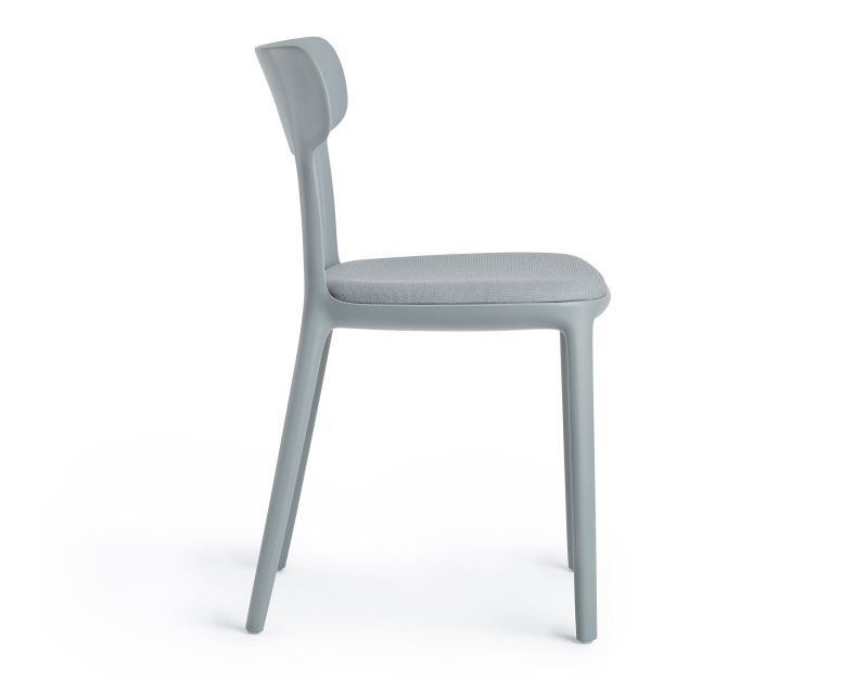 Canva Chair by Claus Breinholt is made of Recycled Plastic