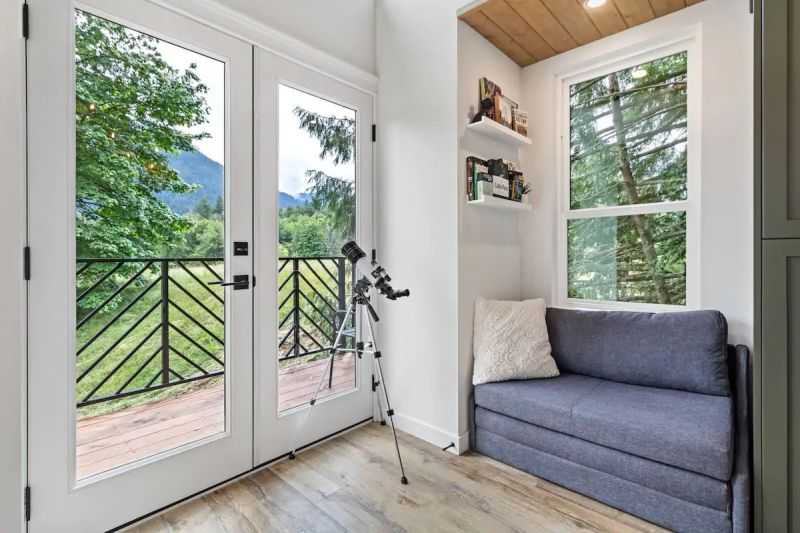 This Treehouse Rental in British Columbia has Inviting Interiors