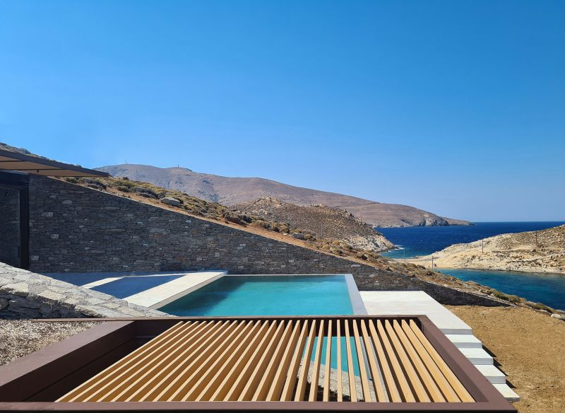 Ncaved House: Earth-Sheltered Home by MOLD Architects in Greece