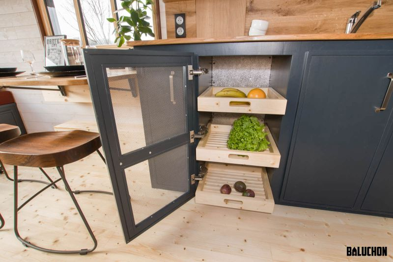 Baluchon Builds Tiny House Road Runner for Elodie and Thomas
