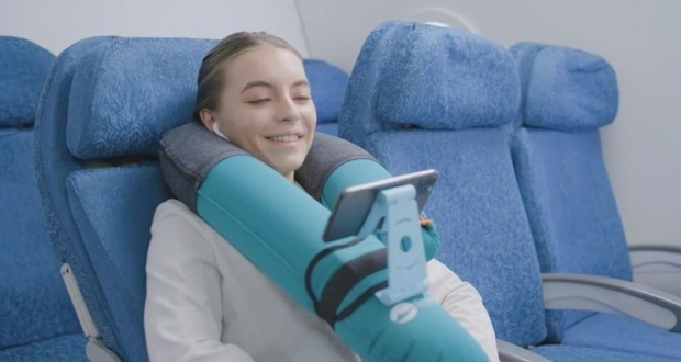 EasierHike Alpha Neck Pillow Comes with Phone Holder