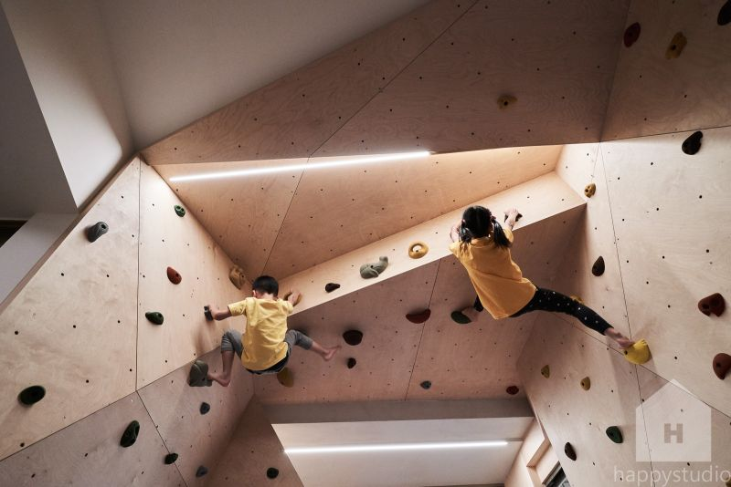 Hide and Climb Residence in Taiwan Features Rock Climbing Walls for Kids