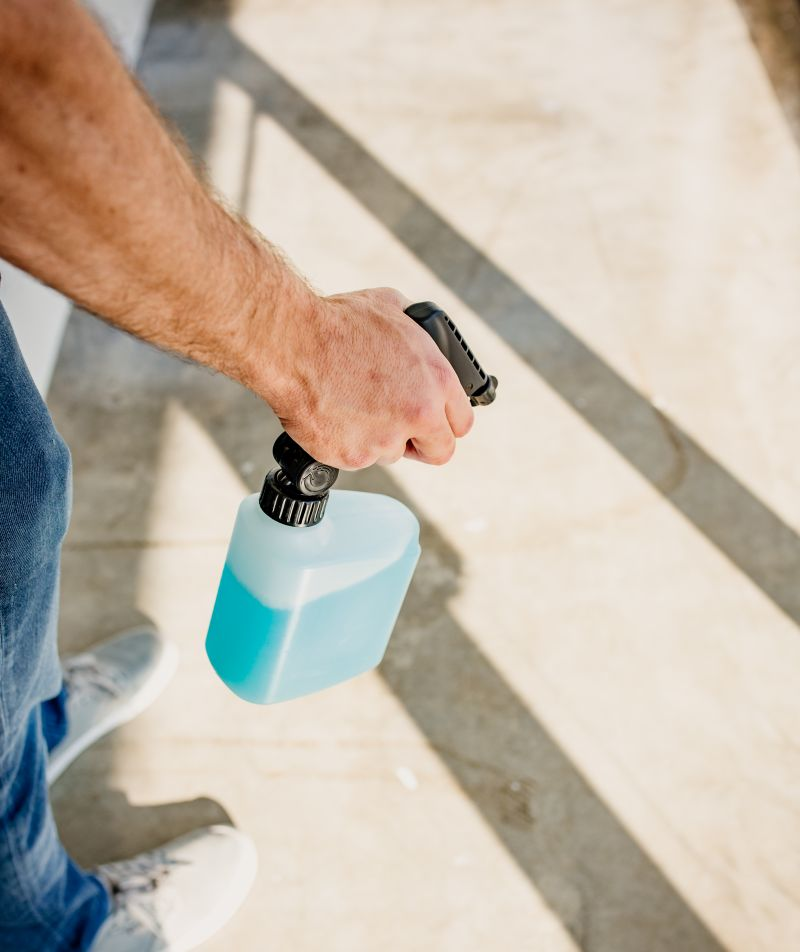 PIVOT Spray Bottle Features Pivoting Sprayer to Improve User Experience