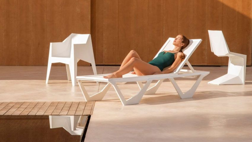 Voxel Sun Lounger by Karim Rashid Boasts Unique, Angular Form