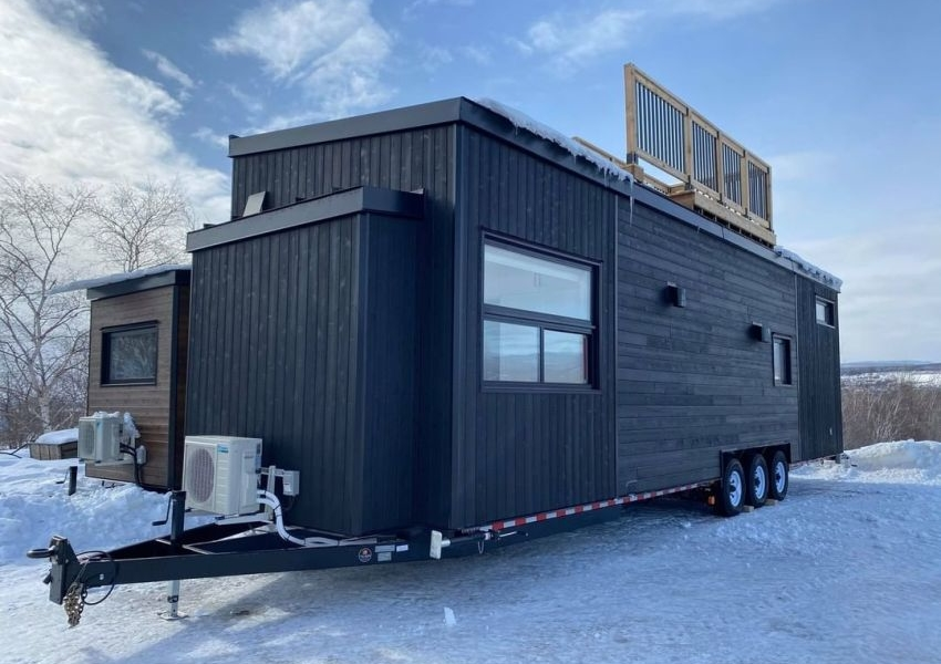 Minimaliste Custom Builds their Magnolia V8 with Rooftop Deck