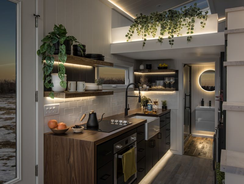 This Custom Tiny House Features a Floor-To-Ceiling Glass Wall