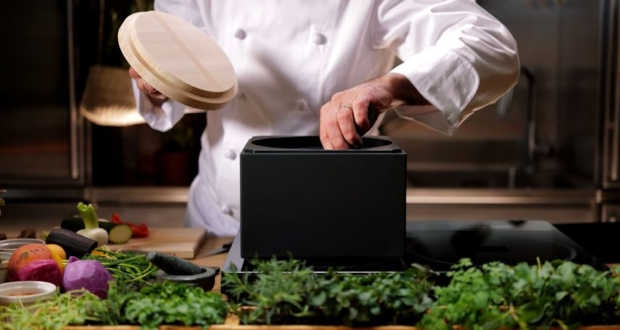 ANAORI kakugama is Cube-Shaped Cooking Pot made of Carbon Graphite