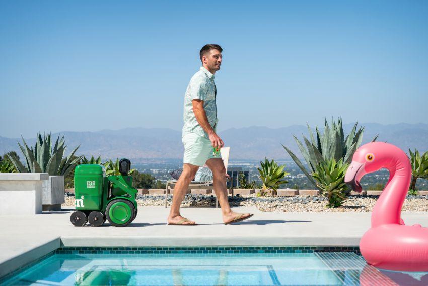 Heineken Launches Robotic Cooler that Walks with You