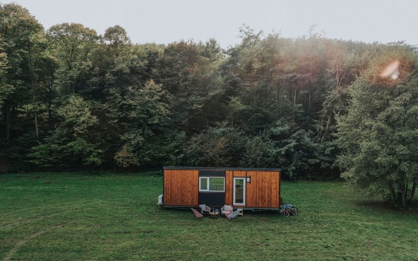 Romania-based tiny house manufacturer Solido grabs attention with its fast construction facilities. The company claims to build a tiny house in 60 days,