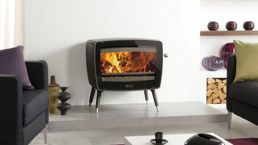 Dovre VINTAGE 50 Wood Burning Stove has Window to Watch Flames