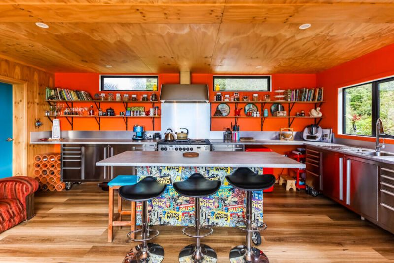 Kiwi Woman Builds Off-Grid Shipping Container Home