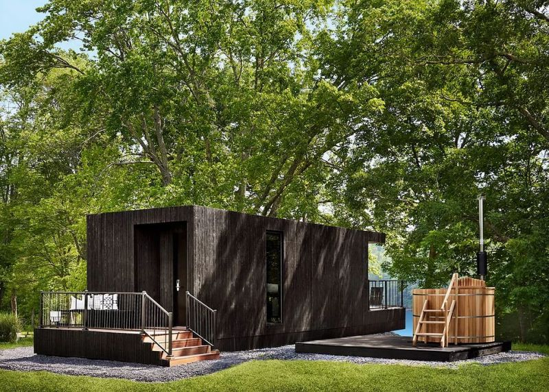 Moliving Unveils its First Hotel Room on Wheels