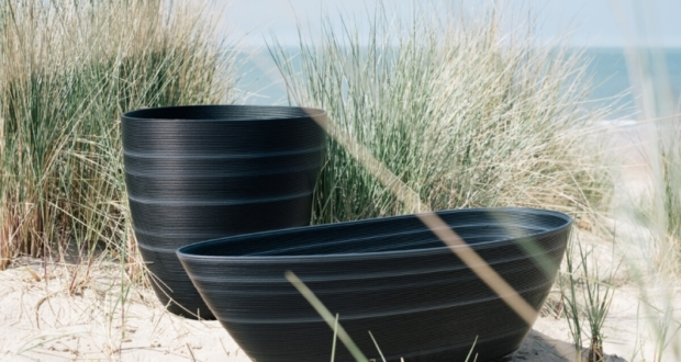 'Mussel' Planters from Recycled Waste Plastic to Bring Nature Home