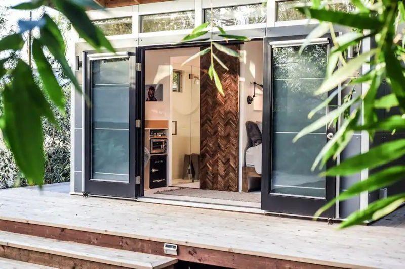 10+ Unique Tiny House Airbnb Rentals in California